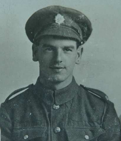 Henry in uniform: WW1