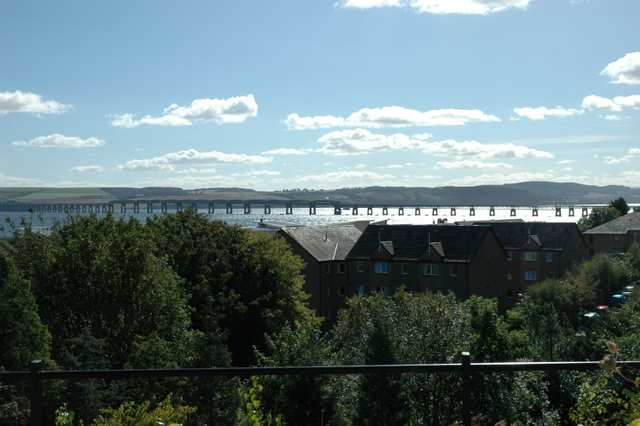 The River Tay and rail bridge, Dundee from Airlie Place 2007