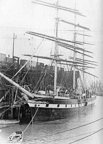 Tyne Collier loading coal at the Albert Edward Dock on the River Tyne