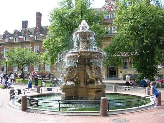 Town Hall Square, Leicester (7)