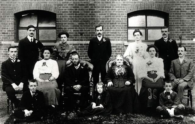 The Curtis family: 1908